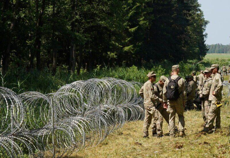 Construction d'une clôture aux frontières du Bélarus et de la Lituanie