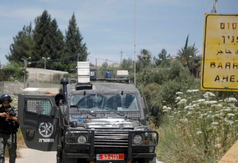 Un soldat israélien à l'une des entrées de Jénine