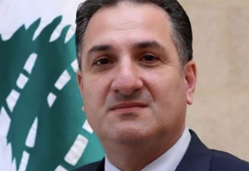 Le ministre des Télécommunications du gouvernement intérimaire Talal Hawat