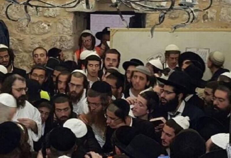 Des foules de colons prennent d'assaut un sanctuaire à l'est de Bethléem