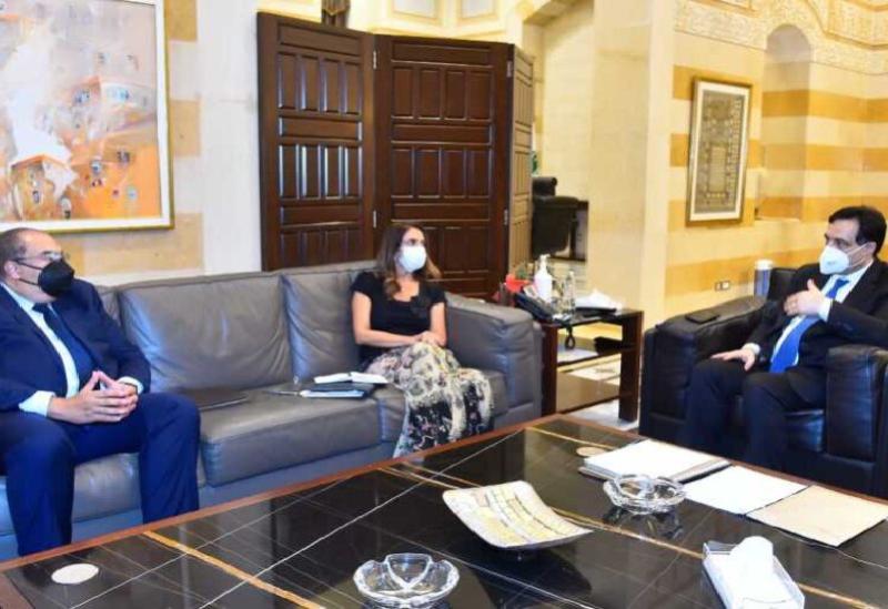 Diab et Aker avec le directeur exécutif du Fonds monétaire international