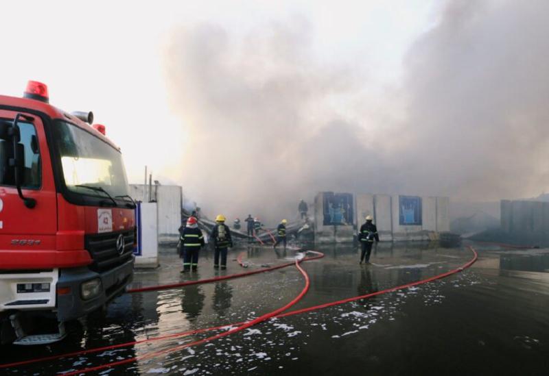 Extinction d'un immense incendie à l'aéroport Al-Muthanna dans le centre de Bagdad