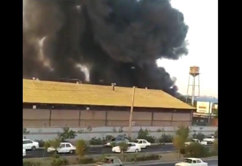 Un énorme incendie dans une usine à l'ouest de Téhéran