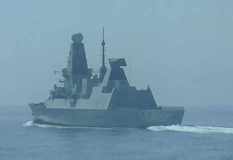 Le destroyer britannique Defender