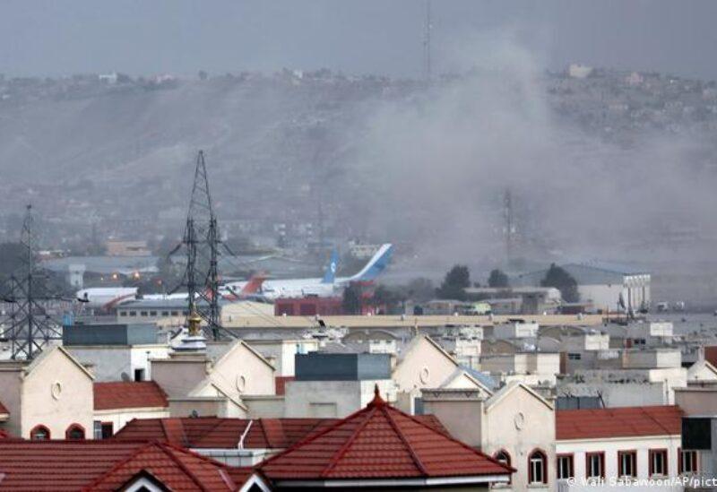 Photo d'une explosion à proximité de l'aéroport de Kaboul