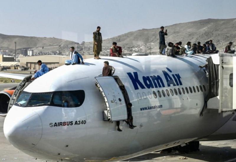 L'Avion à l'aéroport de Kaboul