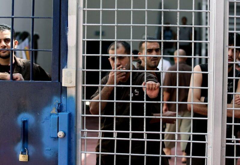 Les prisonniers dans les prisons israéliennes - archive