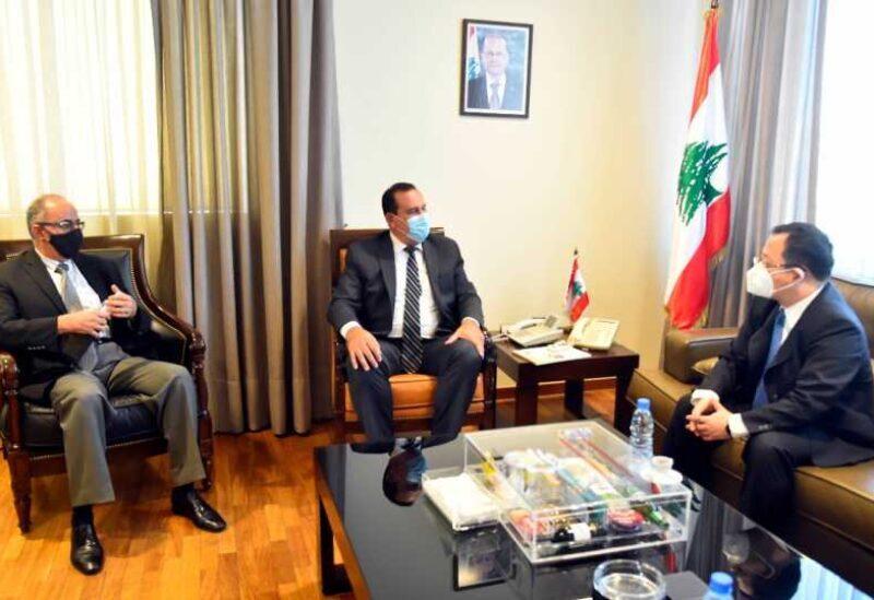 Le ministre Hoballah avec l'ambassadeur de Chine