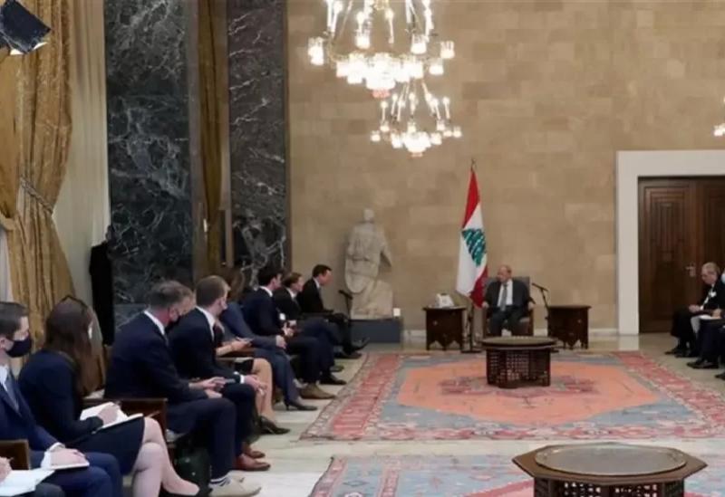 Aoun rencontre une délégation du Congrès