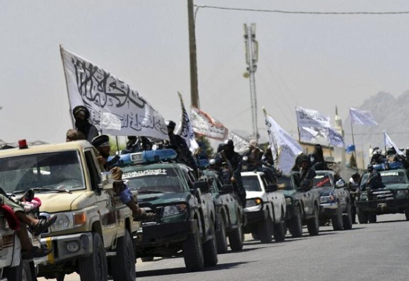 Les militants talibans