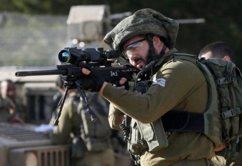 Un membre de l'armée de l'ennemi israélien